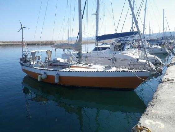 6.second-boat-hightension36-high-volume-cruiser-racer